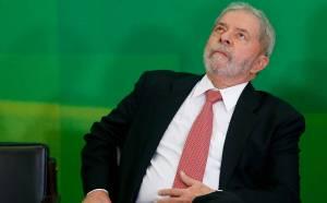 STF suspende posse de Lula e deixa investigação com Moro