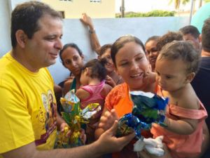 Vereador da Capital distribui mais de 1000 ovos de Páscoa
