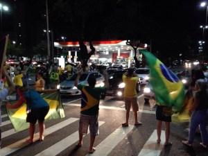 Grupo protesta em João Pessoa contra nomeação de Lula e pedem impeachment de Dilma