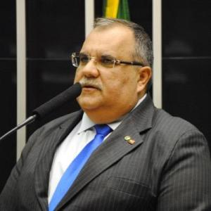 """Rômulo critica articulação para deputados não comparecerem à votação do impeachment: """"É um gesto de covardia"""""""