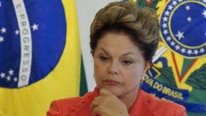 Relator de comissão anuncia parecer favorável ao impeachment de Dilma