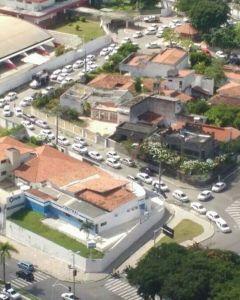Taxistas fazem carreata em João Pessoa em protesto pela falta de fiscalização dos clandestinos