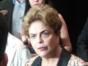 "Dilma usa redes sociais para criticar novamente retirada de recursos do viaduto do Geisel: ""Atitude de Coronelismo"""