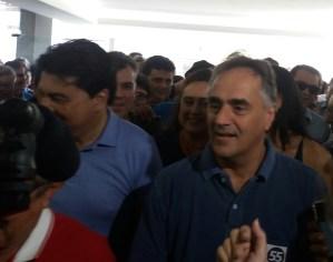 Confome antecipado pelo blog, Luciano Cartaxo confirma Manoel Júnior na vice