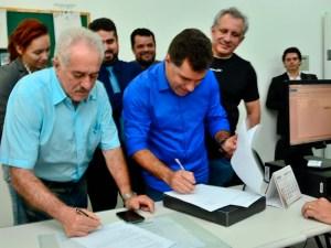 Bolinha registra candidatura e diz que é preciso dar basta em profissionais da política
