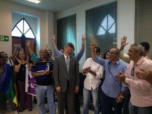 Vitor Hugo registra candidatura e se apresenta como altermativa para eleitor