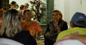 Cida propõe revisão de planos de cargos dos professores e formação continuada
