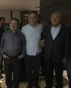 Amigos e políticos comemoram aniversário do senador José Maranhão