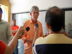 RC atende pedido e recebe prefeito eleito de Cajazeiras para conversa administrativa