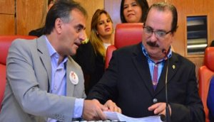 Durval Ferreira conversa ainda nesta segunda-feira com Luciano Cartaxo para oficializar decisão