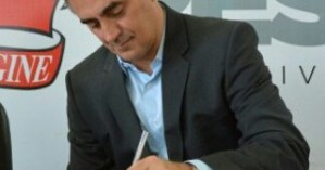 Prefeito assina decreto e portarias referentes aos servidores municipais