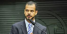 """Suplentes cobram de Jutay espaços na PMJP, mas deputado avisa: """"Não sou prefeito"""""""