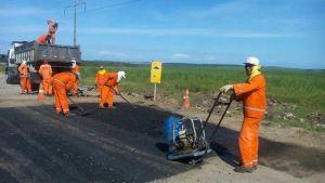 Deputado consegue com DER reparos na PB-025 estrada que liga Lucena a Santa Rita