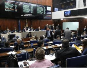 Bastidores: Mais um deputado estadual tem Carteira de Habilitação suspensa