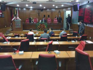 Boicote: Oposição se retira do plenário após Lucas assumir presidência da sessão