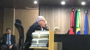 Relator entende que benefícios não desequilibram eleição e  vota contra cassação de RC