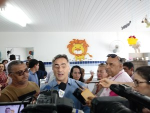 Cartaxo diz que terceirização da educação é atestado de fracasso do Governo do Estado