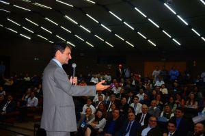 """Eu e Luciano estamos vacinados  contra intrigas"", alerta Romero Rodrigues"