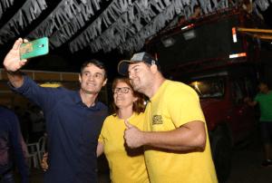 Com prefeitos da região, Romero prestigia Festa de Barra de Santana