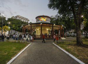 Pavilhão do Chá: Prefeito entrega requalificação da Praça Venâncio Neiva