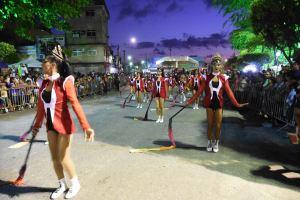 Prefeitura de Santa Rita realiza desfile cívico e atrai milhares de pessoas