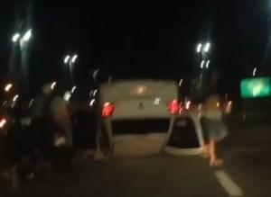 Carro de vereador de João Pessoa se envolve em acidente e capota no Viaduto do Geisel