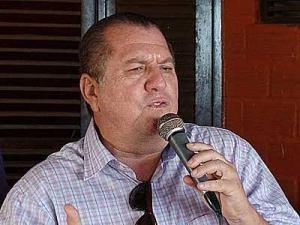 Aluísio chama Marcia Lucena de vagabunda e diz que prefeita participa de orgias