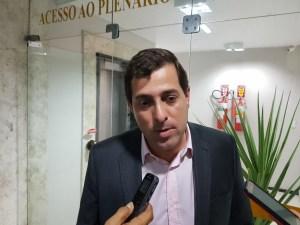 """Video: Gervásio evita polemizar declarações de Estela: """"Cada um tem livre arbítrio"""""""