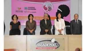 Após polêmica, Estela participa de evento ao lado de secretário de Segurança Pública