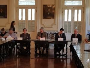 Após reunião com Ferreira Costa, governador diz que não há motivos para embargo da PMJP