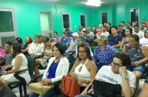 Irmã do governador vai à câmara manifestar apoio a Berg Lima e bate-boca com militante