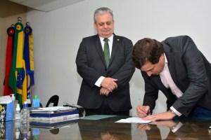 Exclusivo: Gervásio Maia se afasta da Presidência da ALPB e Bosco Carneiro assume