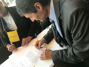 """Romero assina em Brasília a adesão de Campina Grande ao Programa """"Internet para Todos"""""""