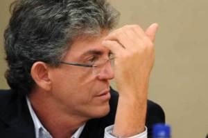 Advogado de Ricardo Coutinho almoça com ministro do TSE após adiar julgamento, diz Veja