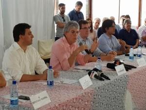 Opinião: Ricardo Coutinho abre mão do Senado para não abrir mão do poder