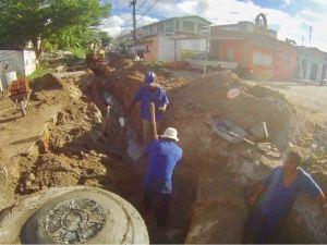 Prefeitura de Santa Rita realiza obras de drenagem e pavimentação de vias na cidade