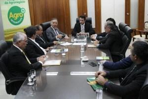 Com agenda administrativa intensa, Aguinaldo Ribeiro participa de reuniões com prefeitos da PB e ministros em Brasília
