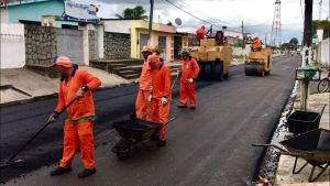 Emerson Panta visita obras de infraestrutura em Santa Rita