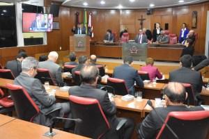 Vereadores de JP homenageiam Rômulo Gouveia durante sessão ordinária desta terça-feira