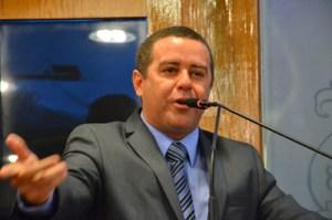 Após exoneração da esposa de Benjamin, João Almeida reafirma apoio do Solidariedade à gestão municipal