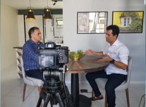 """No """"Café com Política"""", Cartaxo fala sobre a revitalização do Centro Histórico, provoca RC e comenta estratégias eleitorias"""