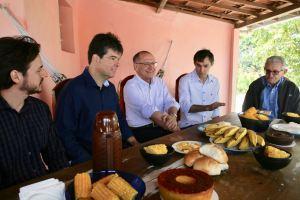 Em CG, Alckimin toma café com tucanos e participa do Maior São João do Mundo; veja agenda