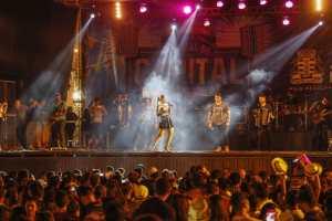 Atrações do São João da Prefeitura de João Pessoa levam multidão ao Ponto de Cem Réis