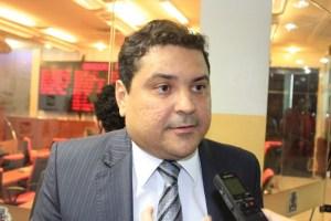 Após polêmica, Renato Martins pede exoneração da assessoria de Cássio