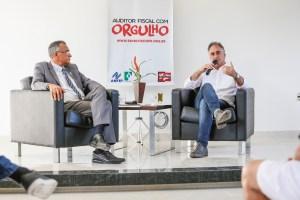 """""""É possível aumentar a arrecadação sem penalizar a população"""", diz Lucélio em reunião com o Sindifisco"""