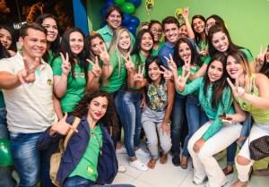 Tovar inaugura comitê e recebe apoio de grupos de professores de Campina Grande