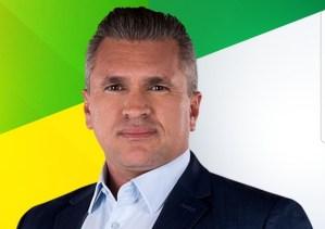 Candidato de Bolsonaro mostra desenvoltura em debates e se notabiliza como liderança conservadora na PB
