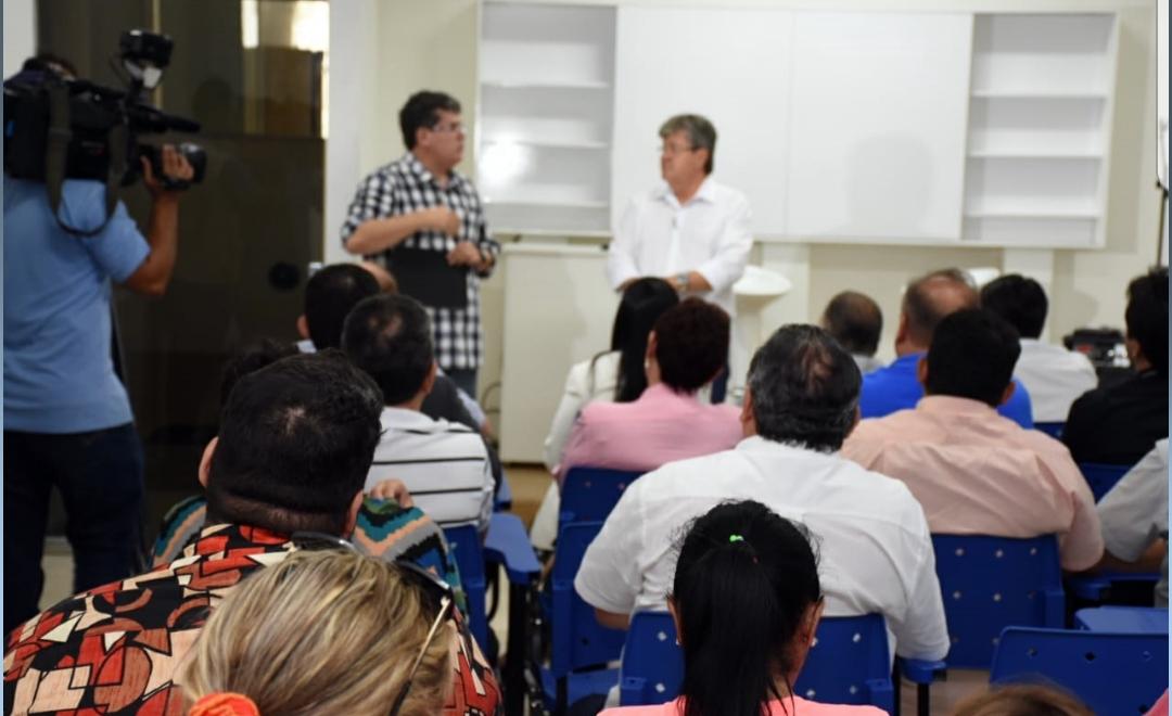João se reúne com representantes do trade turístico de CG e detalha propostas para impulsionar o setor