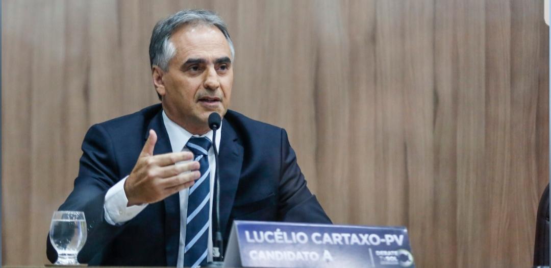 """""""Sertão é terra de gente forte e precisa de um governo eficaz"""", diz Lucélio em debate no Sertão"""