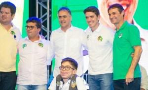 Tovar lança campanha e recebe reconhecimento do trabalho executado na Assembleia